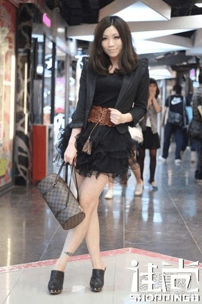 街拍美女春季搭配穿出气质穿出美图国内街拍服饰